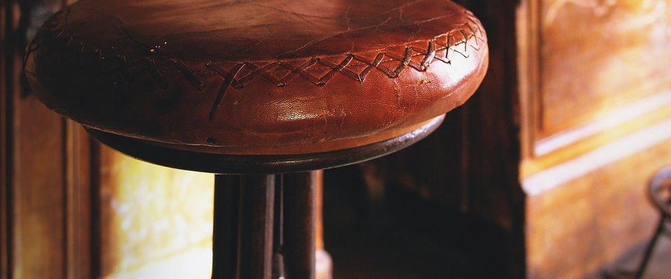 The Dos and Don'ts of Using Vintage Leather Furniture